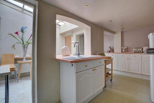 Kitchen, North Gardens Cottage Serviced Accommodation, Brighton