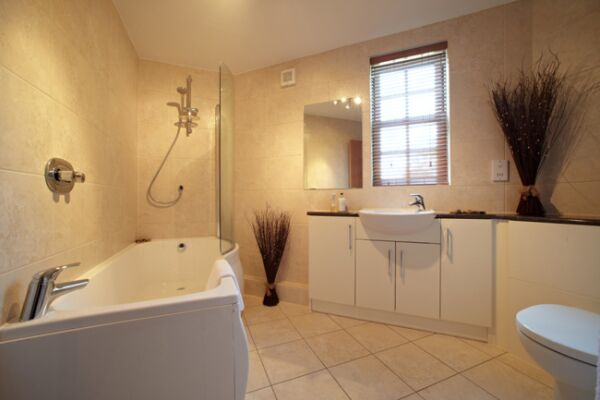 The Exchange Serviced Apartments, Bathroom, Bournemouth
