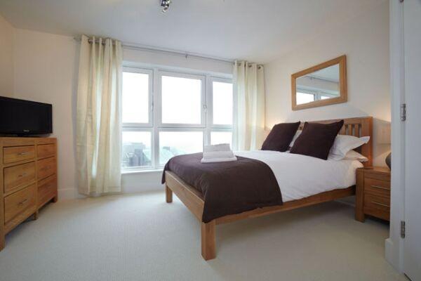 Skyline Plaza Serviced Apartments, Bedroom, Basingstoke
