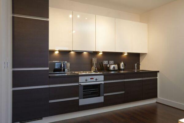 Skyline Plaza Serviced Apartments, Kitchen, Basingstoke