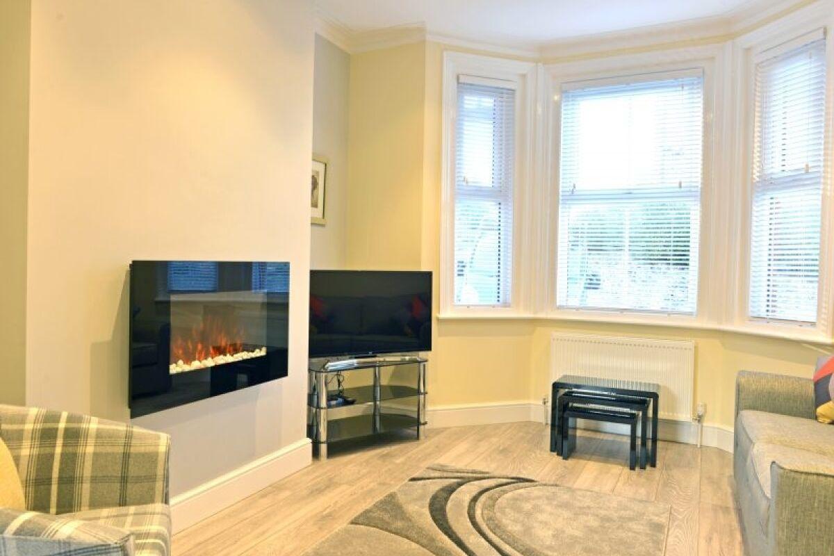 Living Room, Bay Bond House Serviced Accomodation, Eastbourne