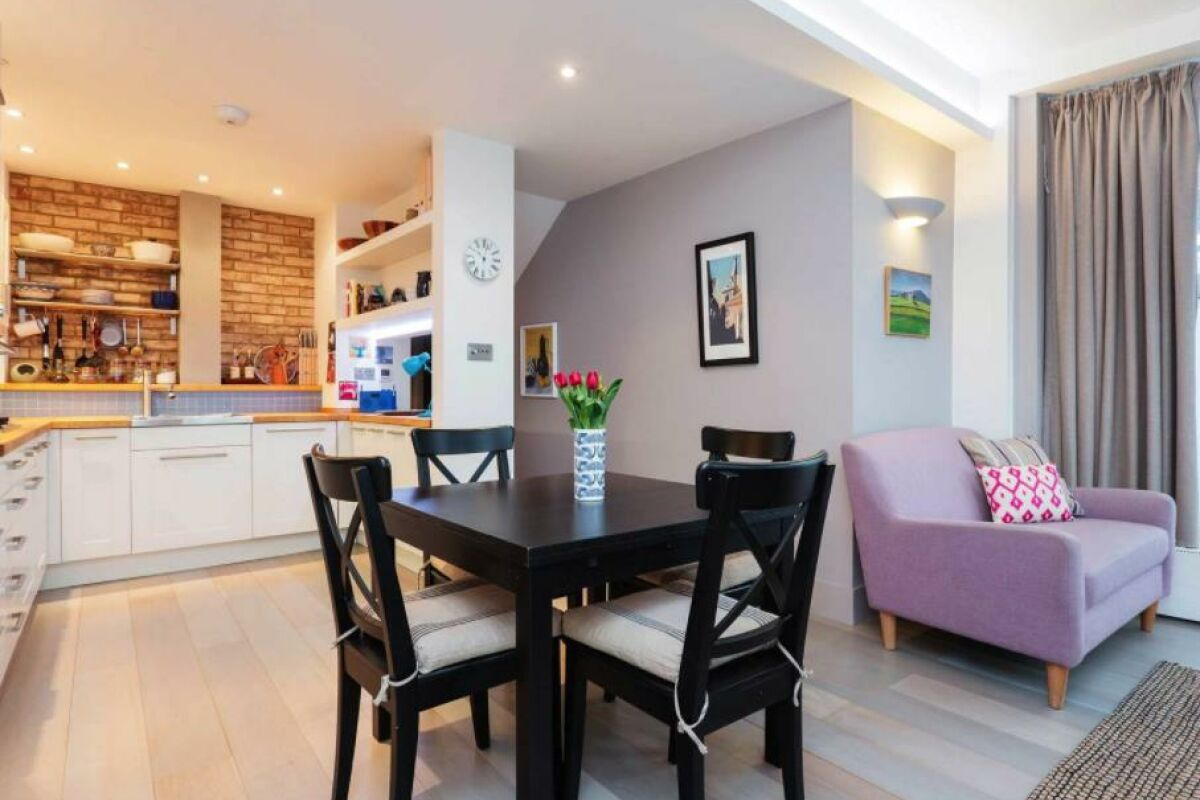 Dining Room, Liverpool Road Serviced Apartment, London