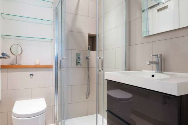 Bathroom, Liverpool Road Serviced Apartment, London