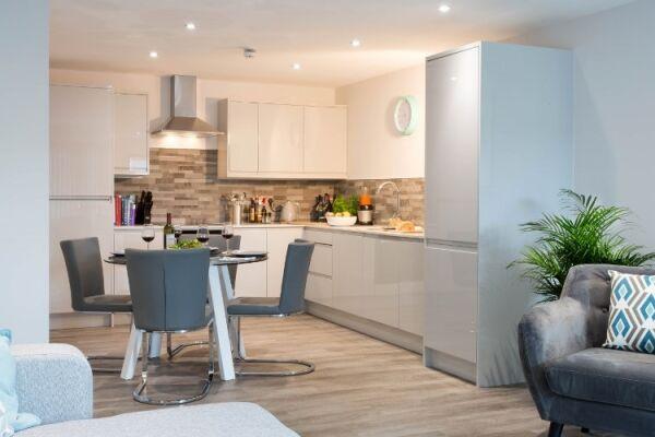 Kitchen, 7Zero1 Serviced Apartments, @ Cotels Milton Keynes