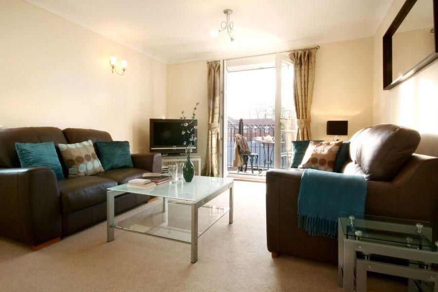 Stephenson Court Apartments - Newbury, United Kingdom