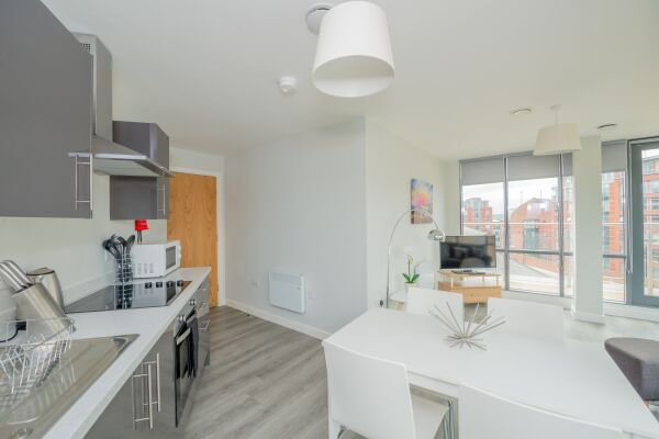 Kitchen and Dining Area, East Point Serviced Apartments, Leeds