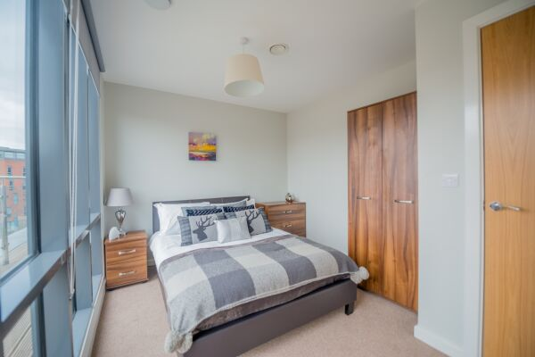 Bedroom, East Point Serviced Apartments, Leeds