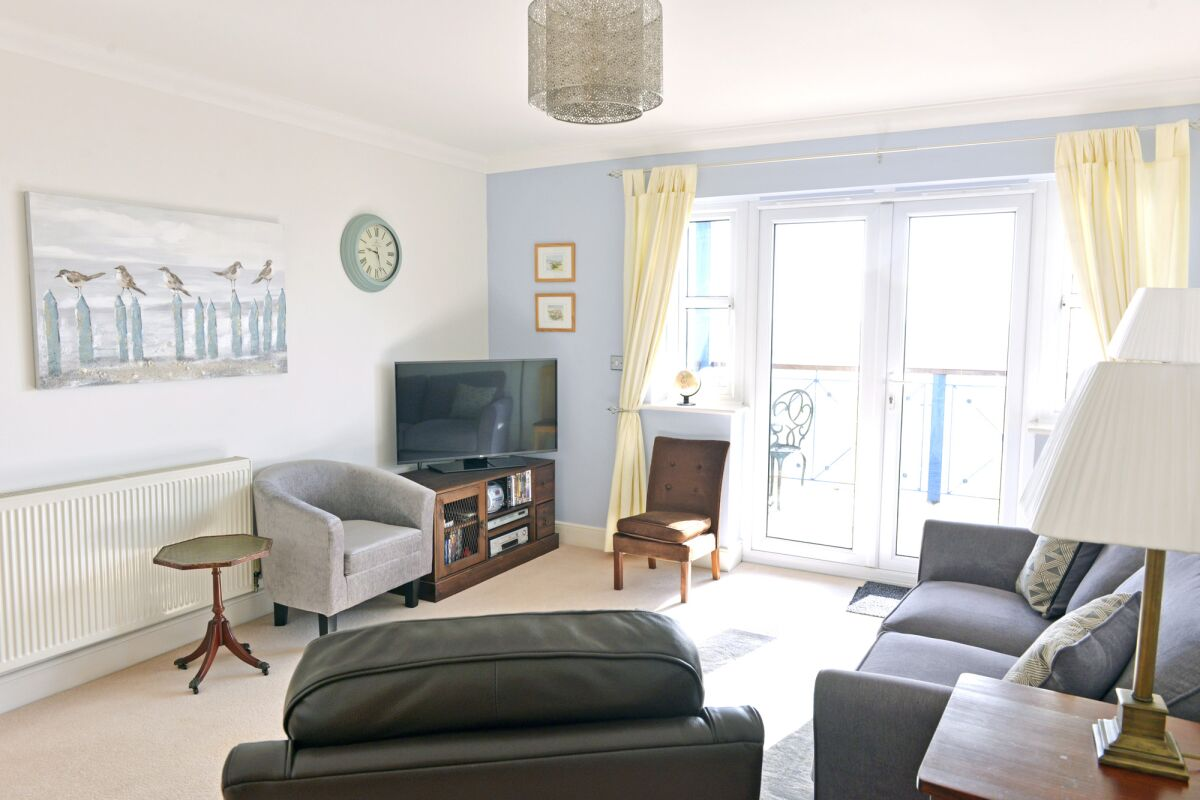 Living Area, The Reef Serviced Apartment, Eastbourne