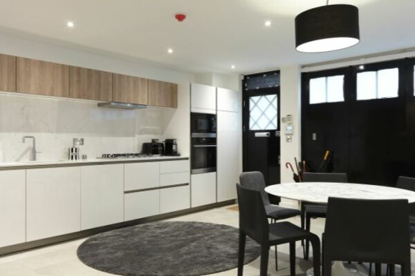 Kitchen, Marylebone Mews House Serviced Accommodation, Marylebone