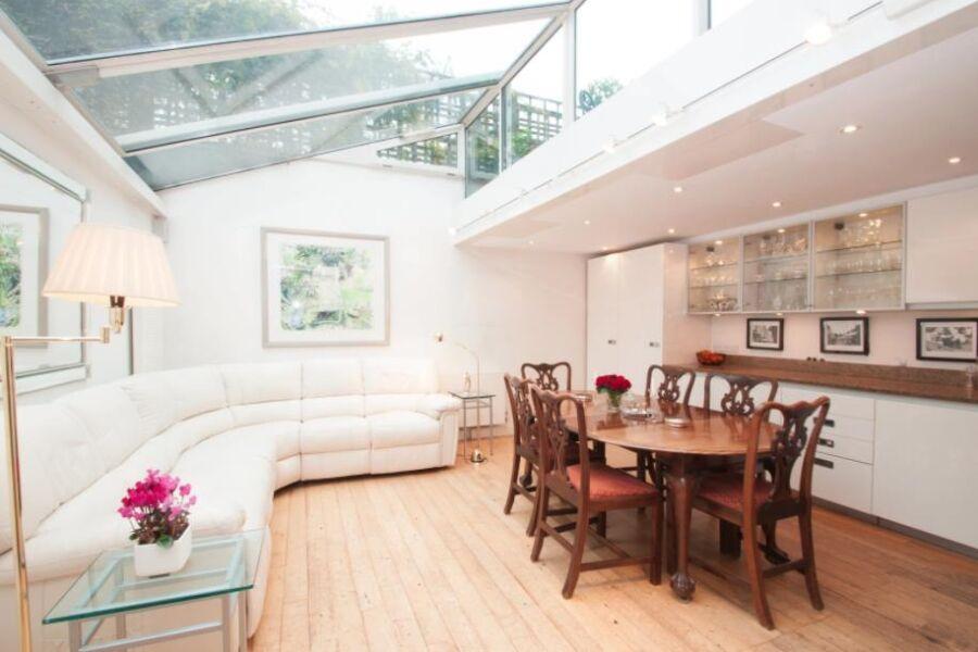 Notting Hill Skylight Accommodation