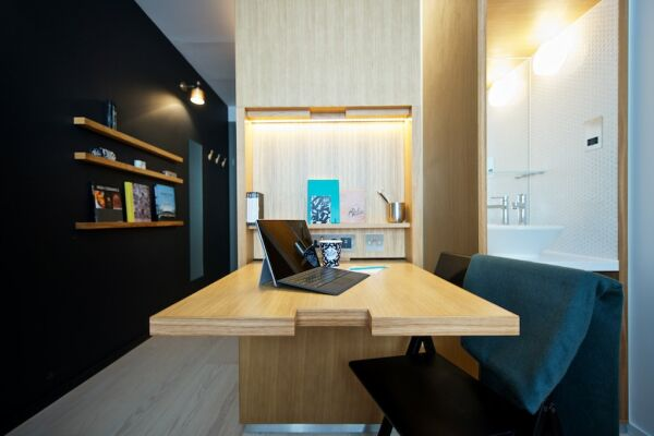 Work or Dining Space, Wilde Aparthotel by Staycity, London