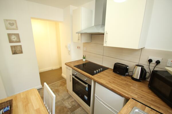 Kitchen, Stanley Serviced Apartments, Leicester