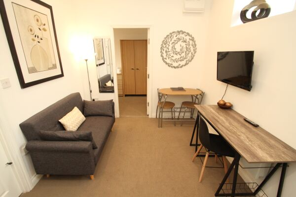 Living Room, Stanley Serviced Apartments, Leicester