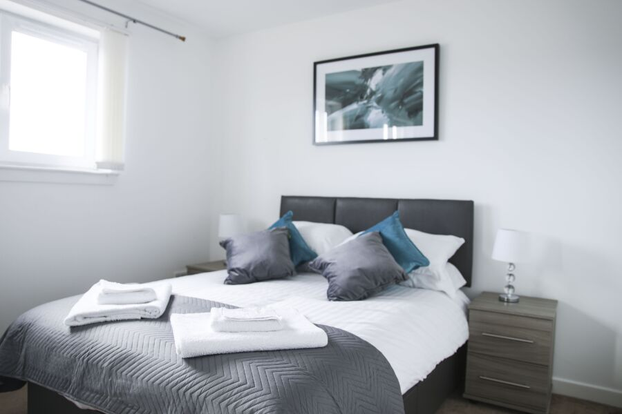 Clark House Accommodation - Renfrew, Renfrewshire