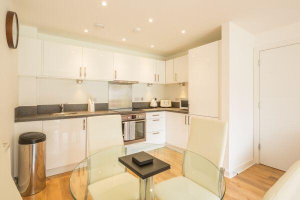 Kitchen, Somerville Court Serviced Apartments, St. Albans