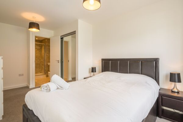 Bedroom, Somerville Court Serviced Apartments, St. Albans