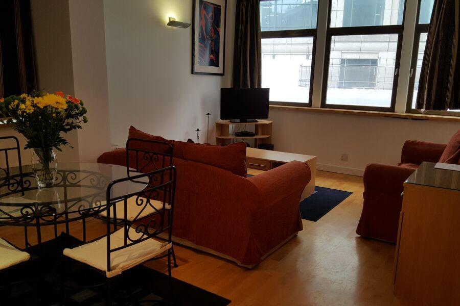 Bishopsgate Apartment - Liverpool Street, The City