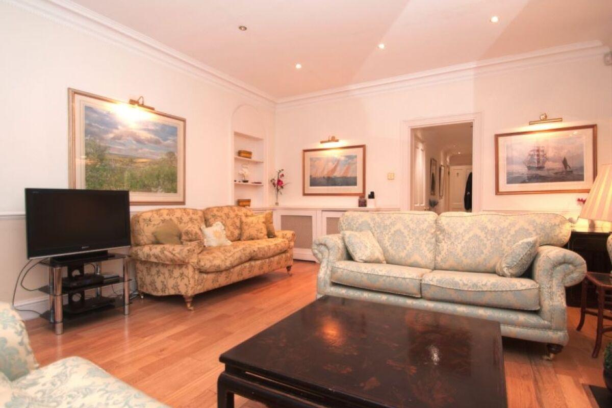 Living Area, Knightsbridge Serviced Accommodation, London