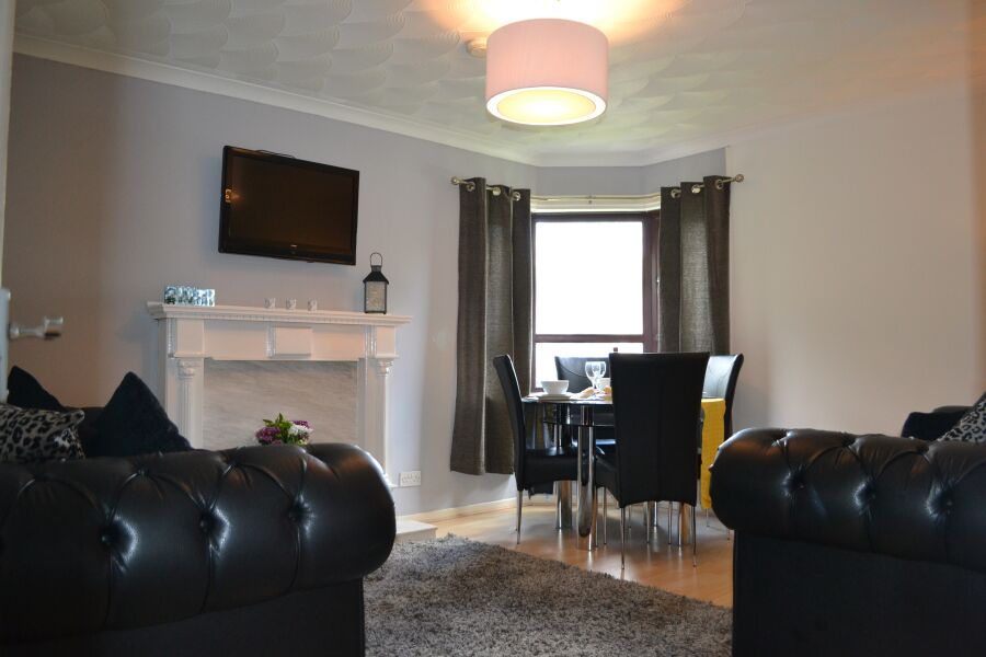 Stewart View Apartment - Hamilton, Lanarkshire
