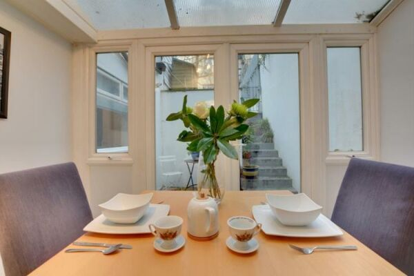 Dining, Brunswick Road Serviced Apartment, Brighton and Hove