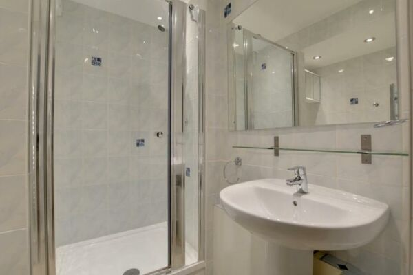 Bathroom, Brunswick Road Serviced Apartment, Brighton and Hove