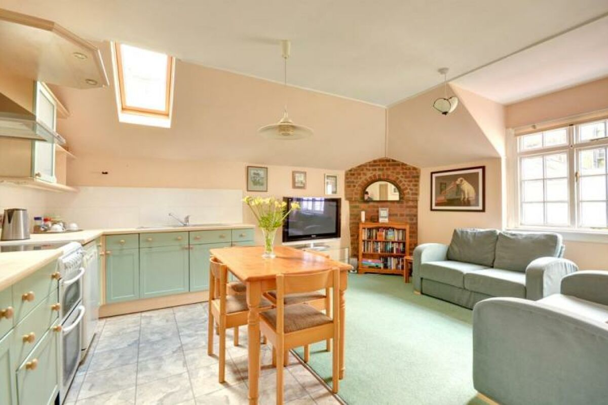 Open plan kitchen and lounge, Coachman's Serviced Apartment Hove
