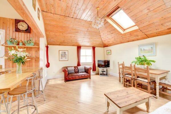Open Plan Living, Brunswick Cottage Serviced Accommodation Hove