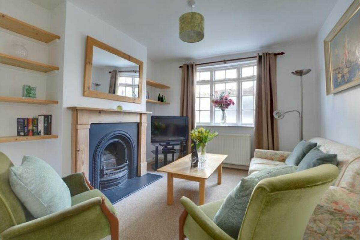 Living Room, Rosemary Cottage, serviced accommodation Brighton