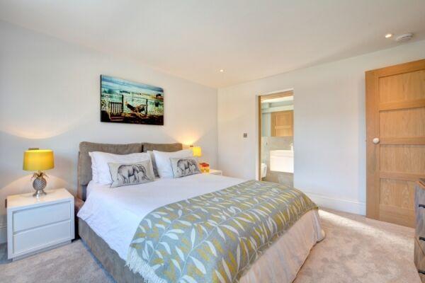 Bedroom 1, Casa Bonita House, Serviced accommodation Hove