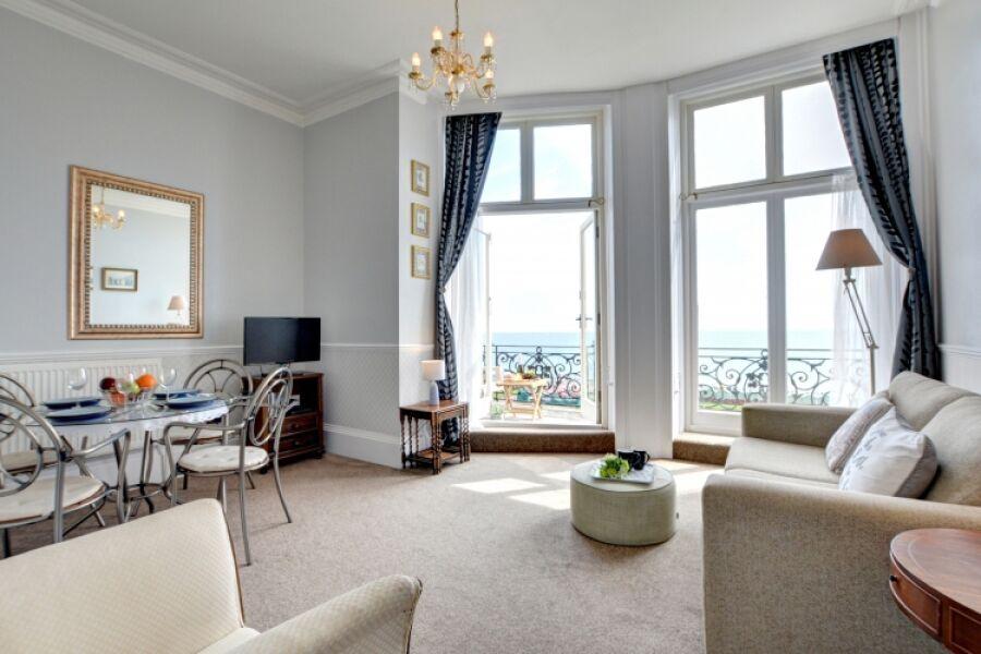 Adelaide Mansions Apartment - Hove, Brighton