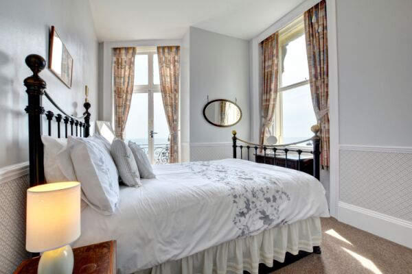 Bedroom, Adelaide Mansions Serviced Apartments, Hove