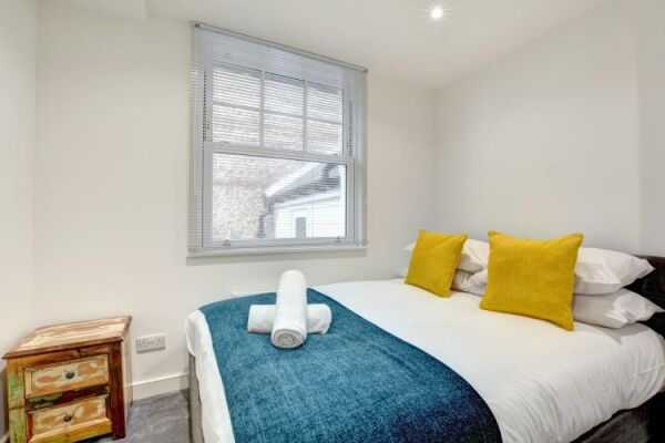 Bedroom, Castle Cottage Serviced Accommodation, Brighton