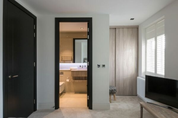 En-suite Bathroom, Egerton Drive House Serviced Accommodation, Twickenham