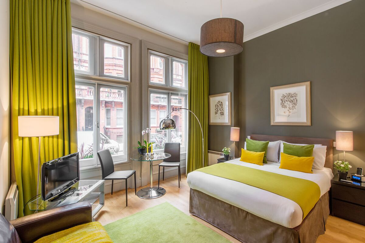 Master Bedroom, Draycott Place Serviced Apartments, Chelsea