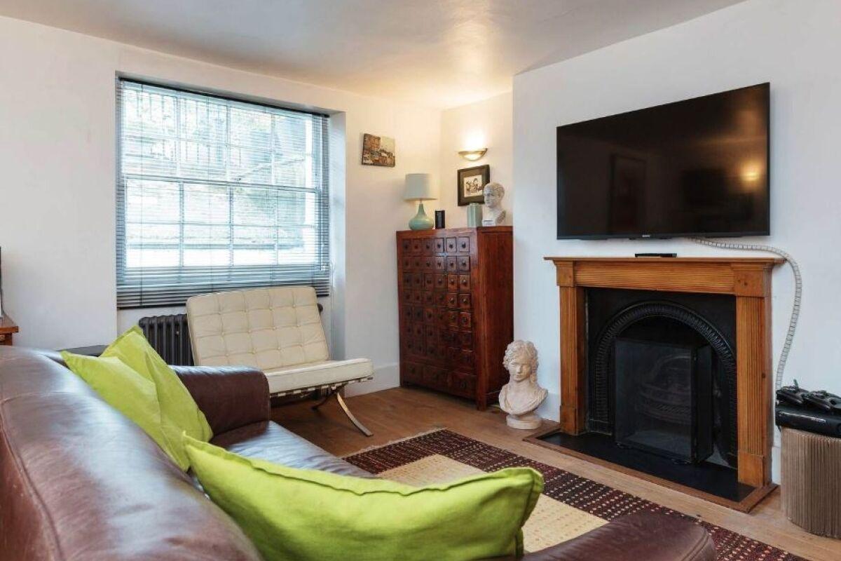 Living Area, Ripplevale Grove Serviced Apartment, Islington