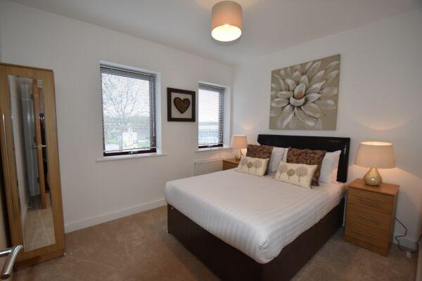 Bedroom, Midland Way Serviced Apartments, Bristol