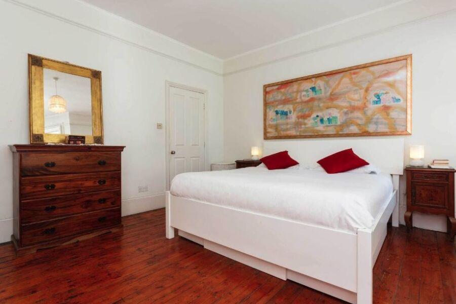 Burns Road House Accommodation - Harlesden, North West London
