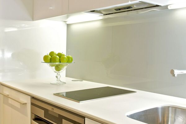Kitchen, Lovat Lane Serviced Apartments, Monument
