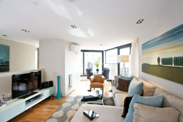 Living Space, Lovat Lane Serviced Apartments, Monument