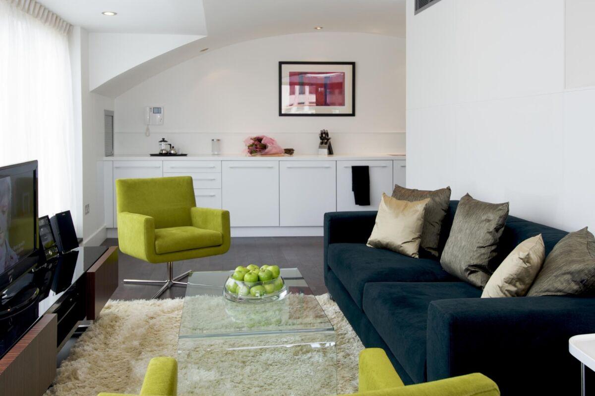 Penthouse, The Monument Serviced Apartment, London