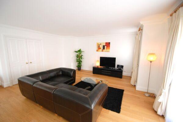 Living Room, Richmond Bridge Development Serviced Apartments, Twickenham, London