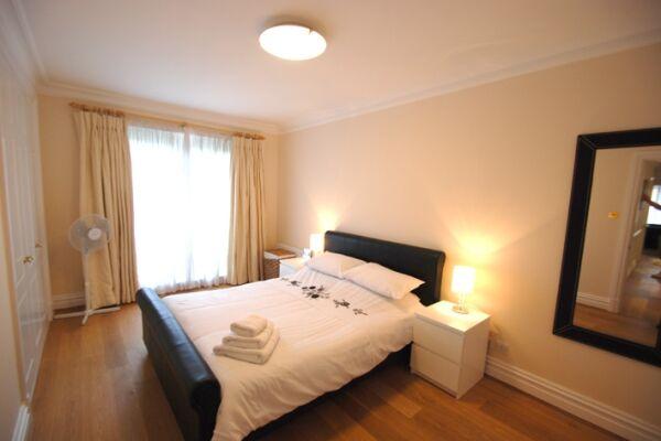 Bedroom, Richmond Bridge Development Serviced Apartments, Twickenham, London