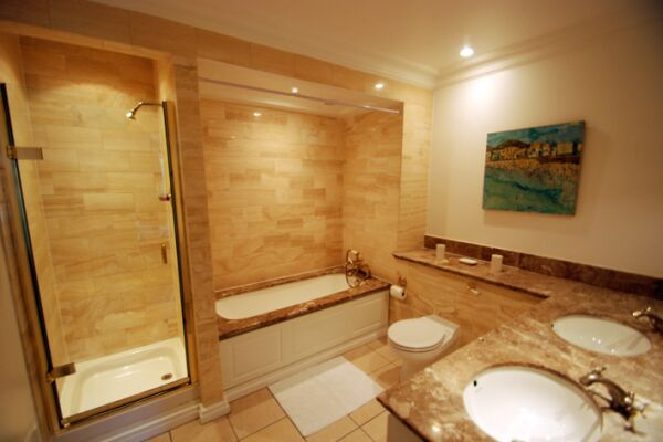 Bathroom, Richmond Bridge Development Serviced Apartments, Twickenham, London