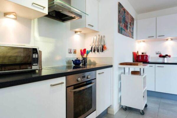 Kitchen, West Hampstead Serviced Apartment, West Hampstead