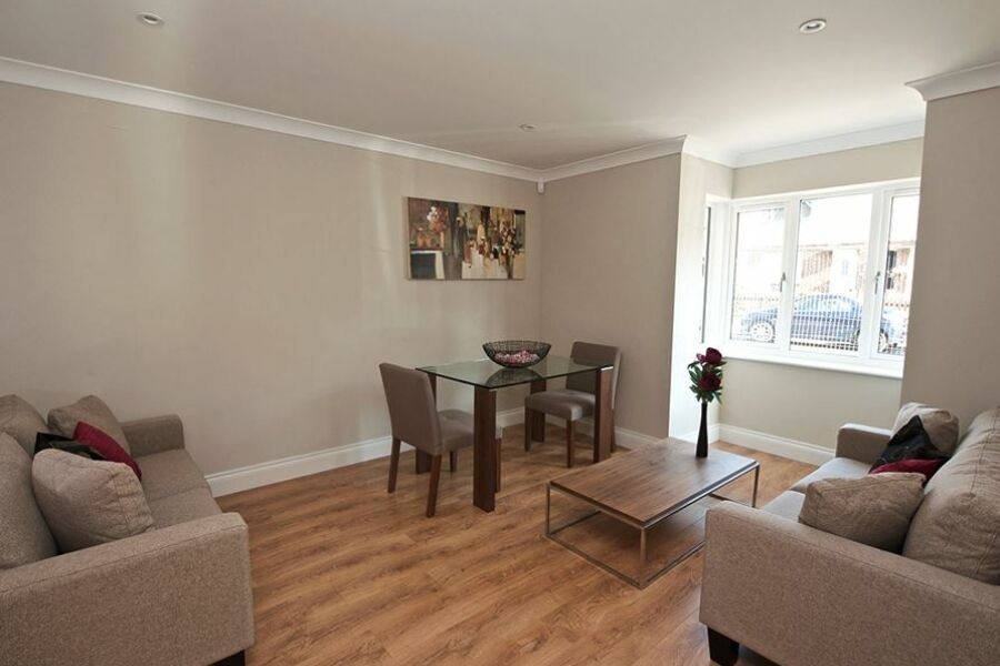 Keller Court Apartments - Horsham, United Kingdom