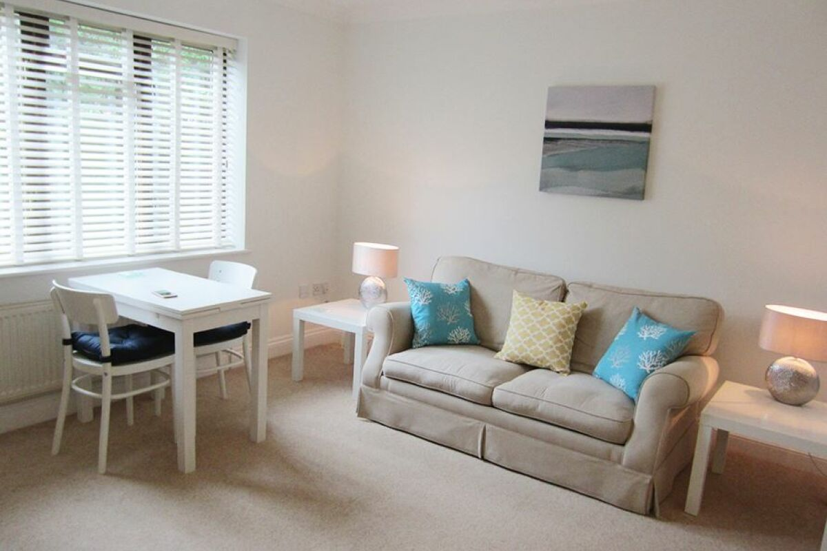 Living Room, Moonsgate Serviced Apartments, Horsham