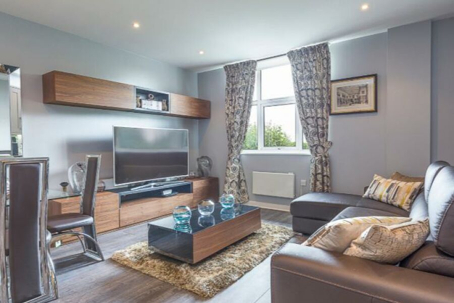 West London Avenue Apartment - Acton, West London