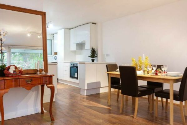 Dining and Kitchen Area, Chelsea Garden Serviced Apartments, London