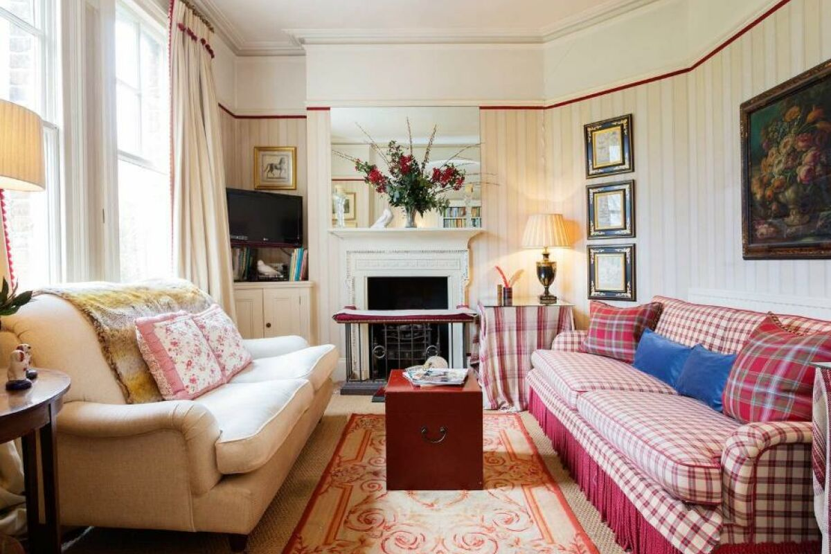 Living Area, Fulham Country House Serviced Accommodation, London