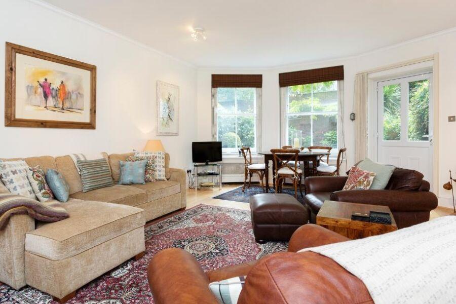 Kensington Garden Apartment - South Kensington, Central London